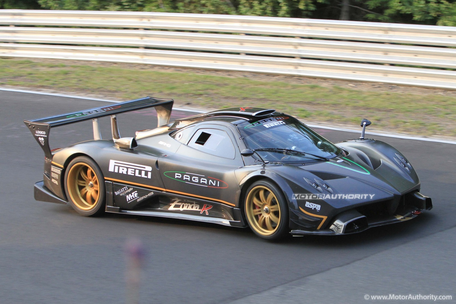 Video: Official Pagani Zonda Nurburgring Doentary