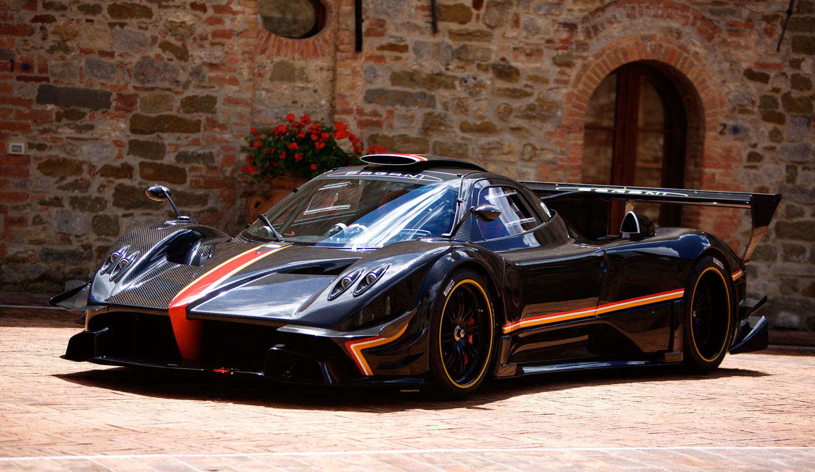 Workers Put The Finishing Touches On This Blue Carbon Pagani Zonda Revolucion Video