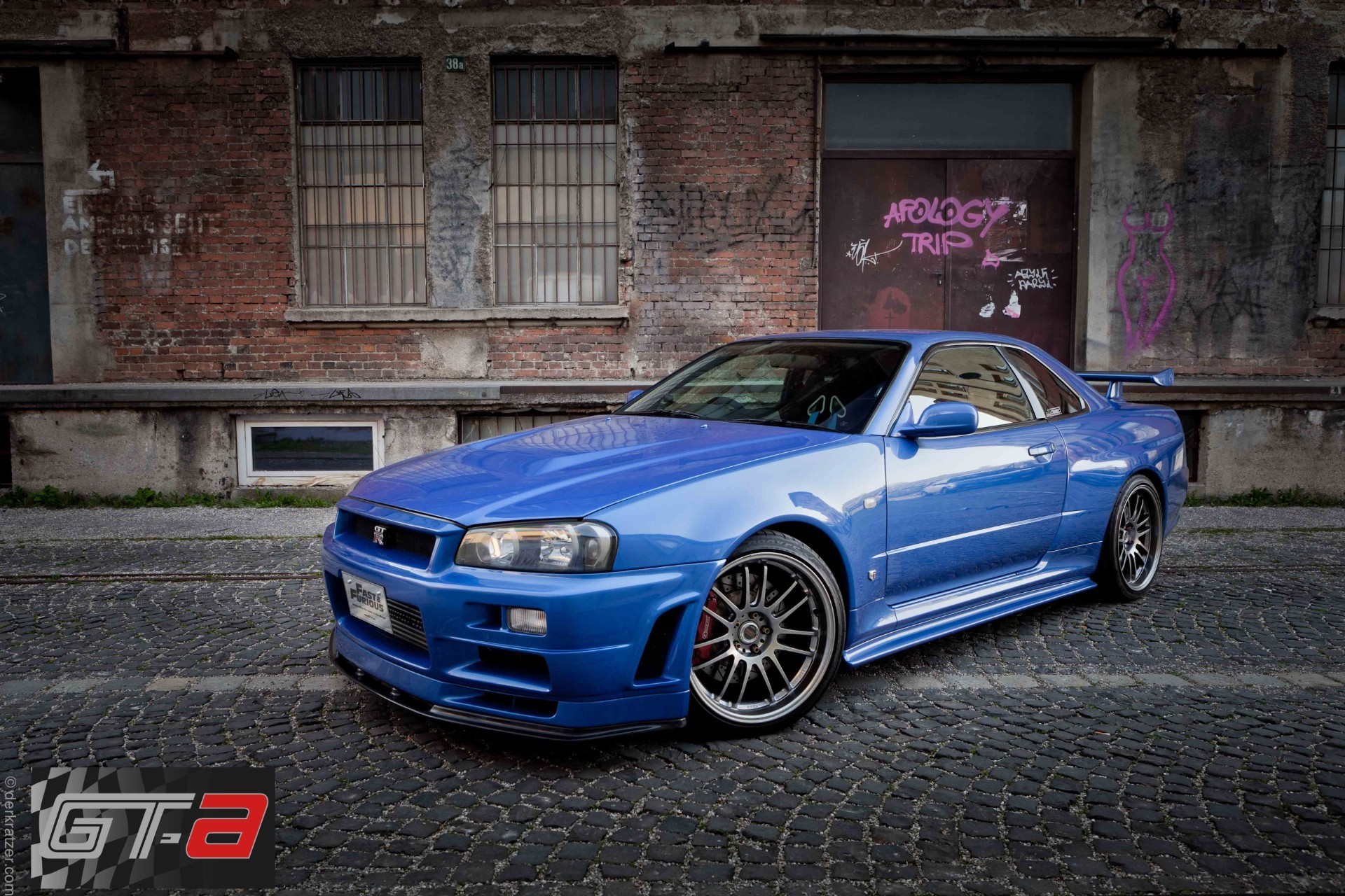 Paul walker 39 s 39 fast furious 4 39 r34 nissan gt r for sale for Newspaper wallpaper for sale