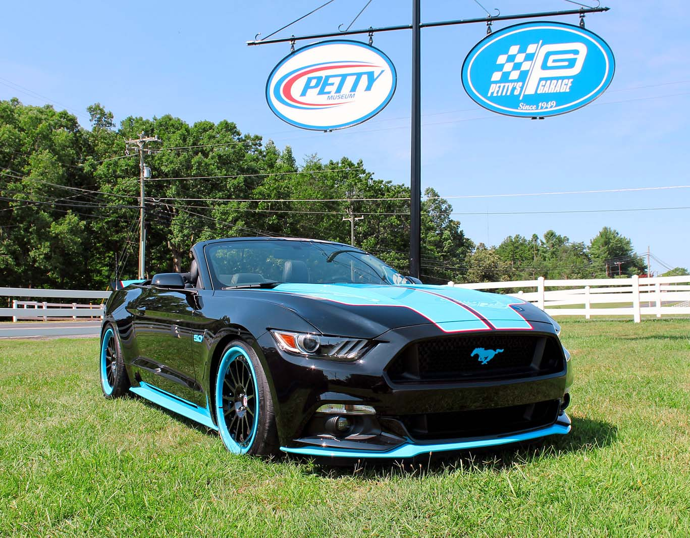 2015 Mustang Gt 0 60 >> New Petty S Garage Mustang Gt King Edition Boasts Up To 727 Hp