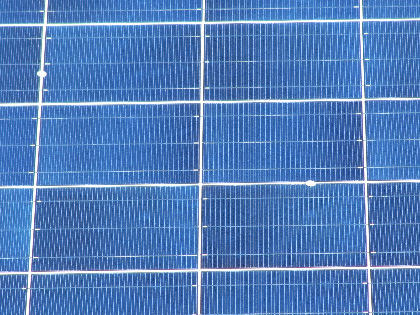 Spray On Solar Cells Show Promise For Cheaper Sun Power