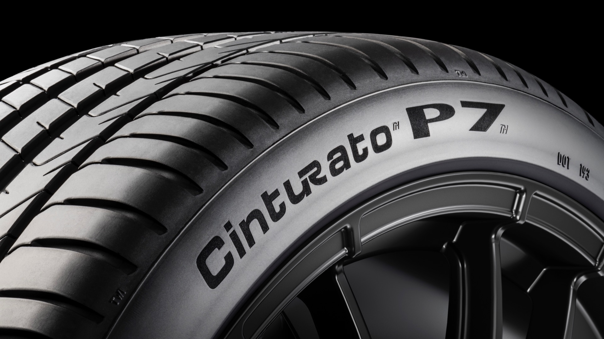 New Pirelli tire automatically adjusts to temperature, driving conditions