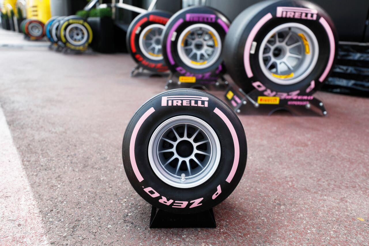 "Pirelli P Zero Sound F1 Tire-shaped Bluetooth Speaker Pink"""