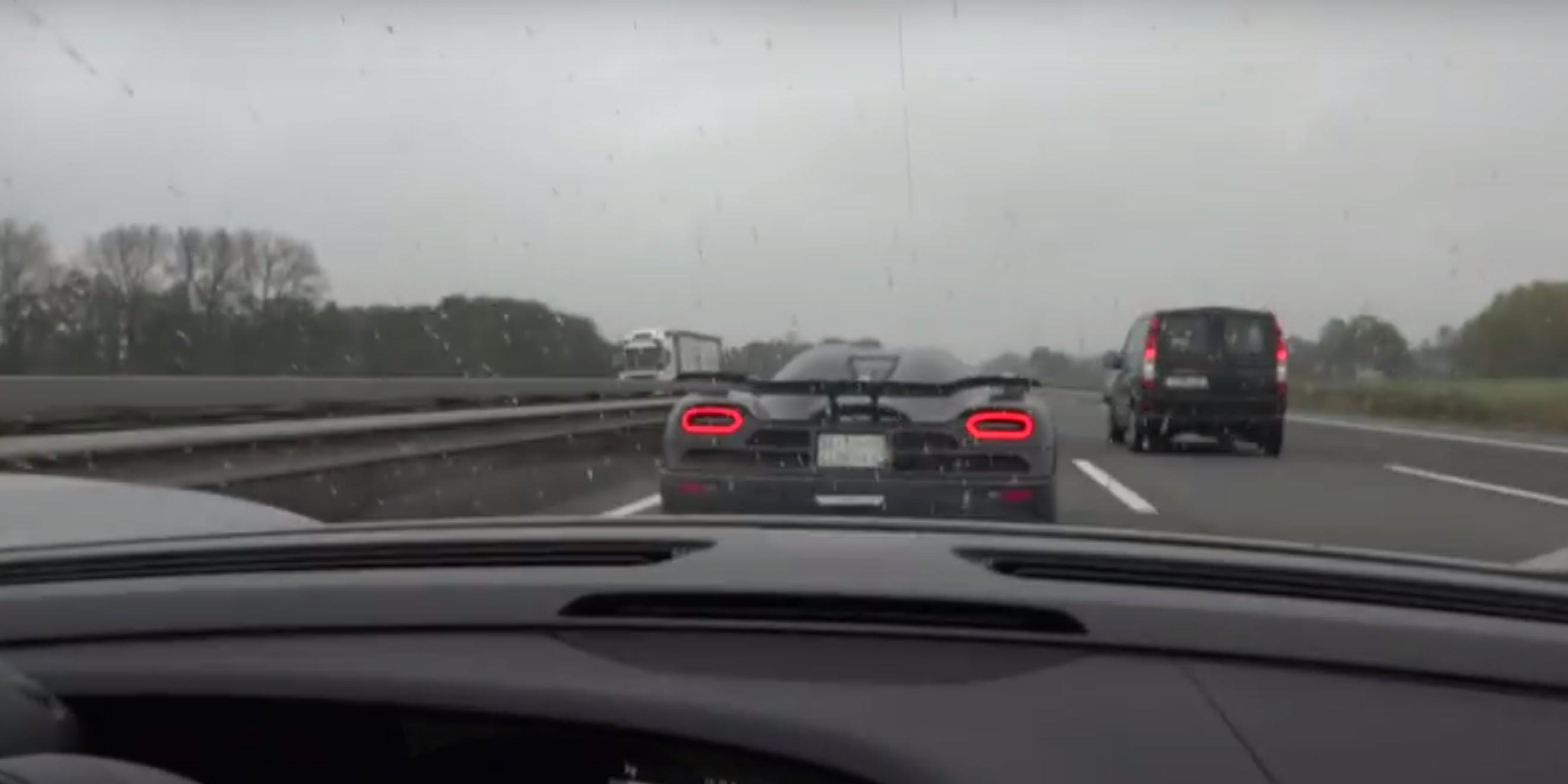 Porsche 918 Spyder Chases Koenigsegg Agera R On Autobahn