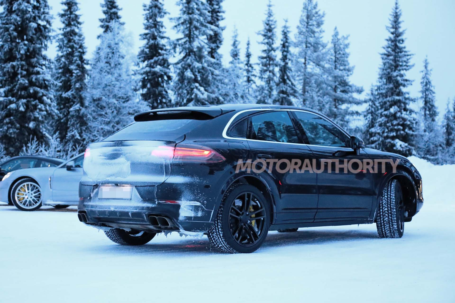 2020 Porsche Cayenne Coupe Price, Redesign >> 2020 Porsche Cayenne Coupe Spy Shots And Video