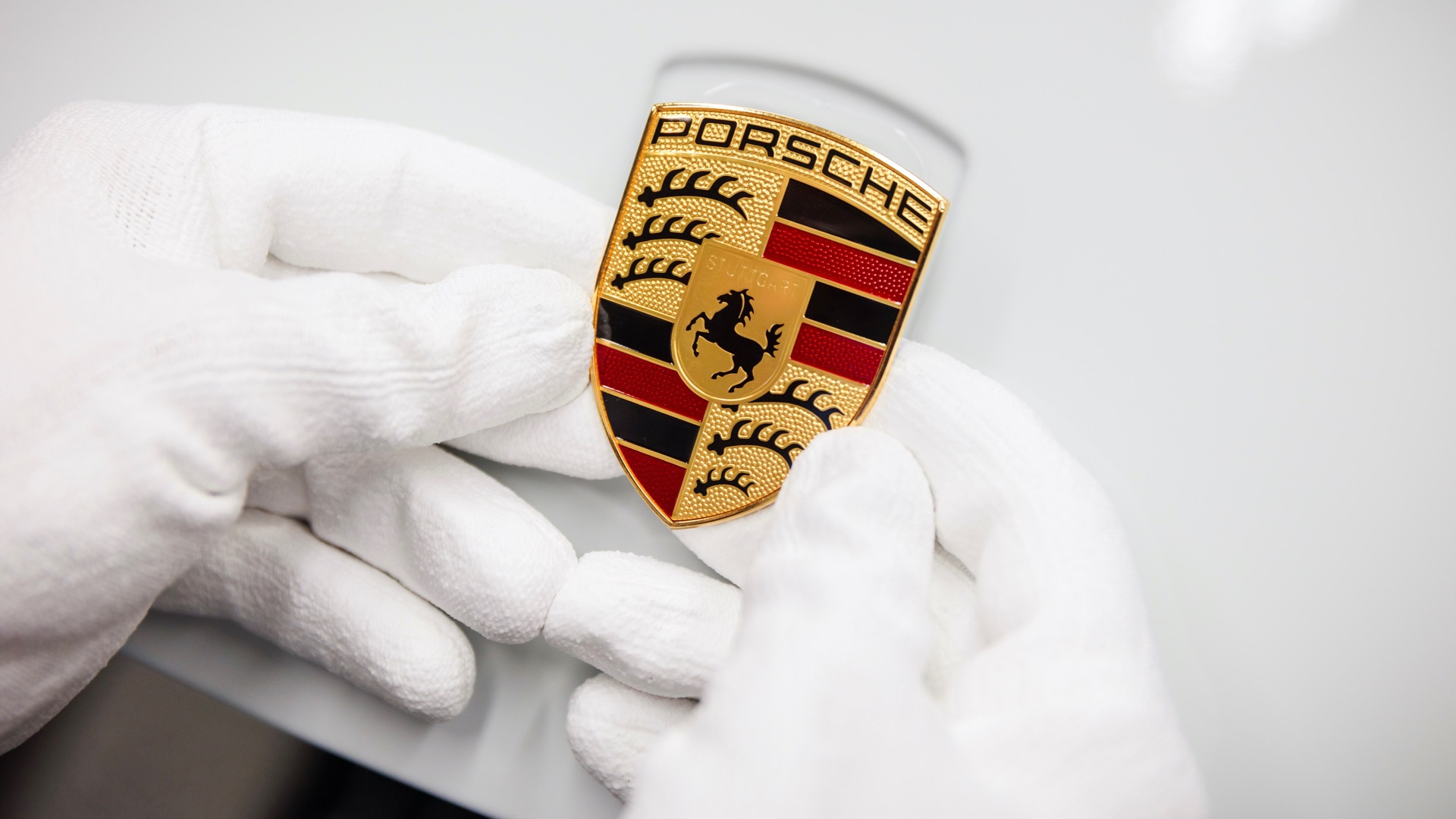 How the Porsche crest was created