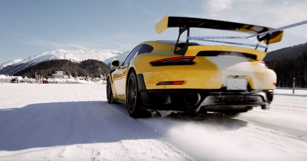 watch porsche perform an ice ballet with a 911 gt2 rs and. Black Bedroom Furniture Sets. Home Design Ideas