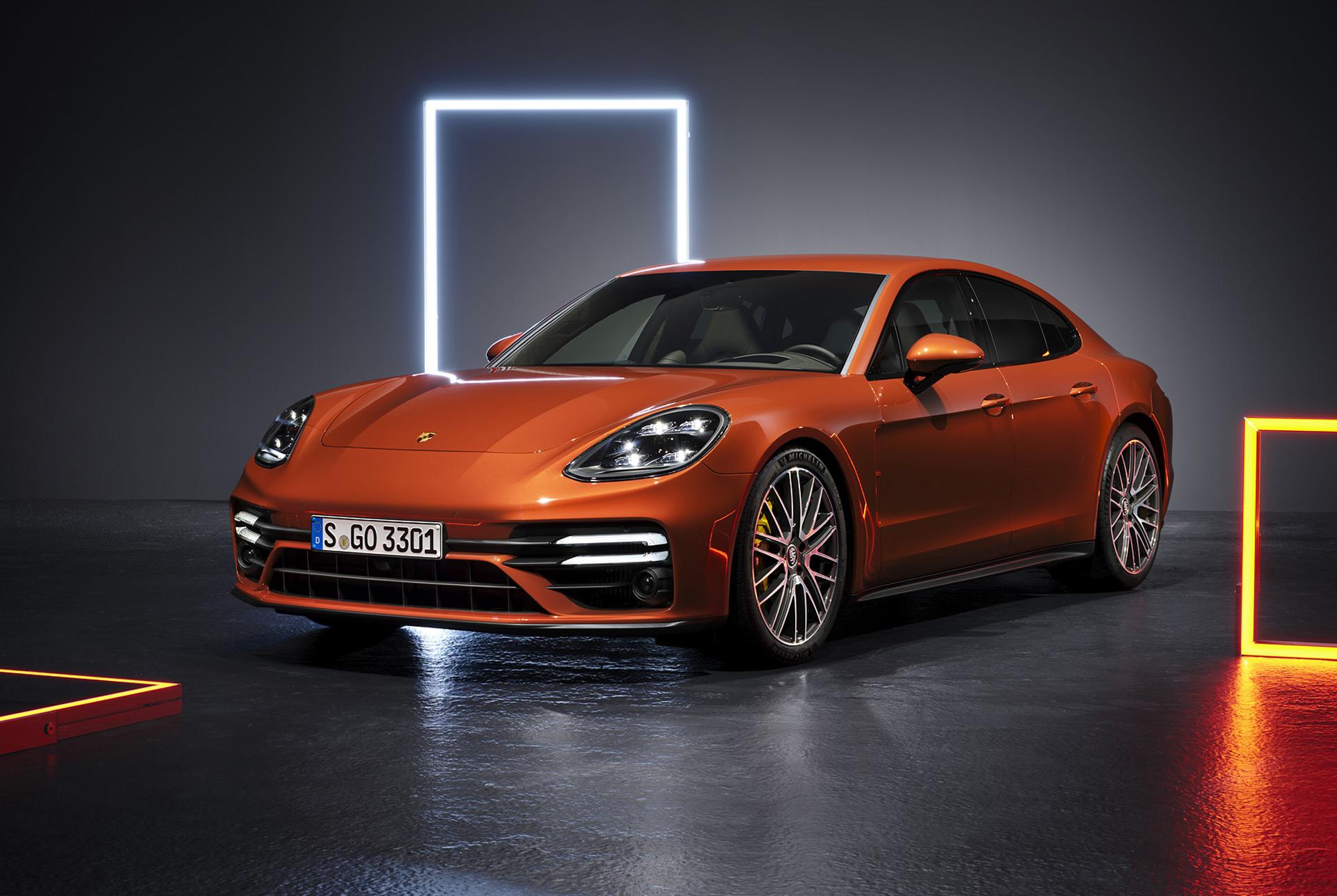 2021 Porsche Panamera Picture