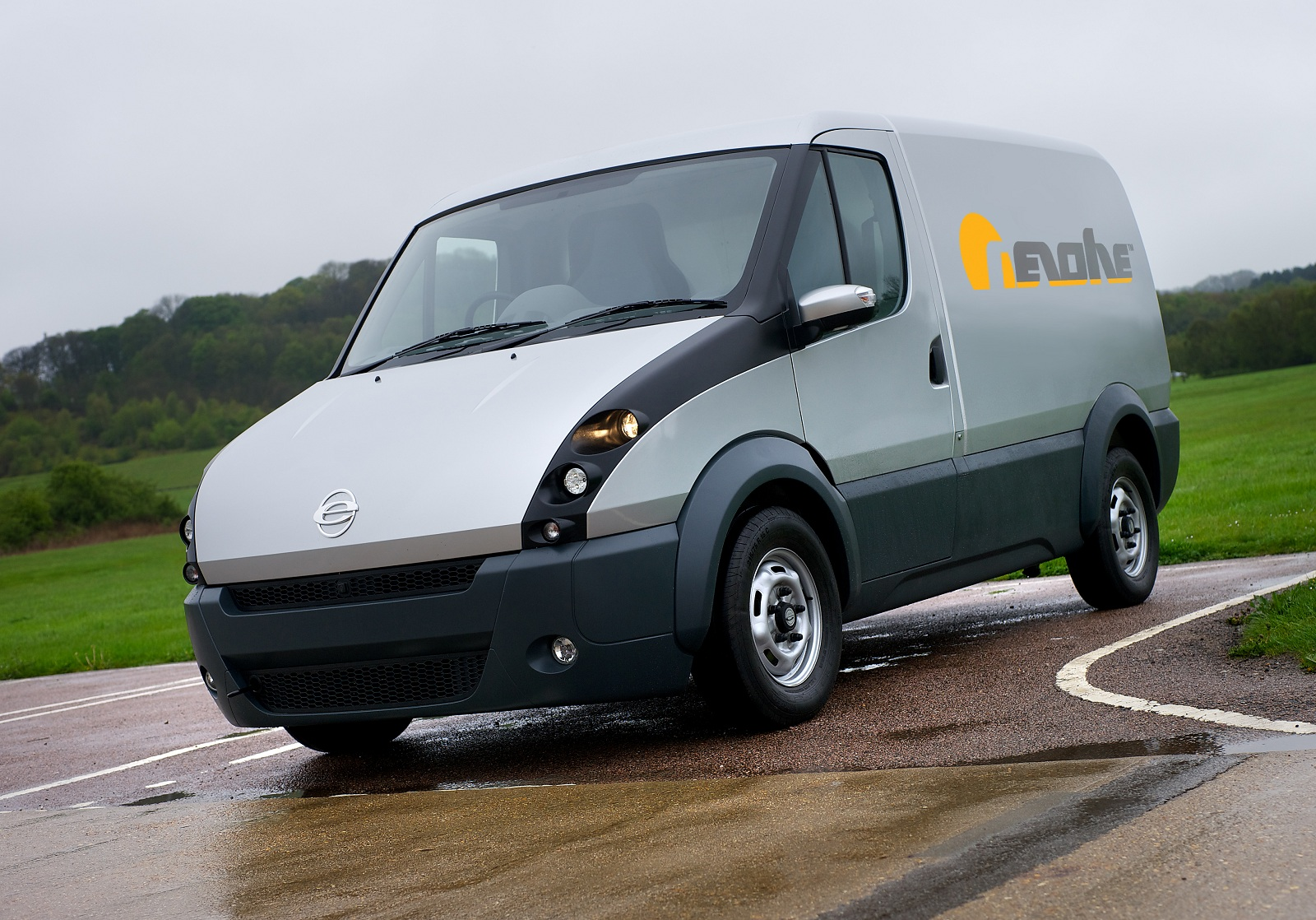 Revolve Launches New European Plug In Hybrid Delivery Van