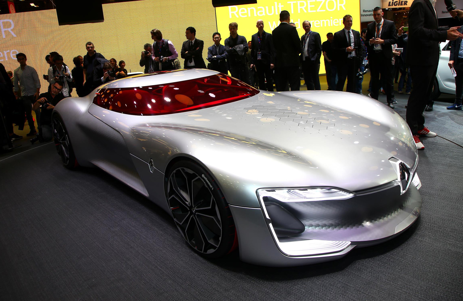 Trezor Concept Is An Electric GT That Previews Renault's