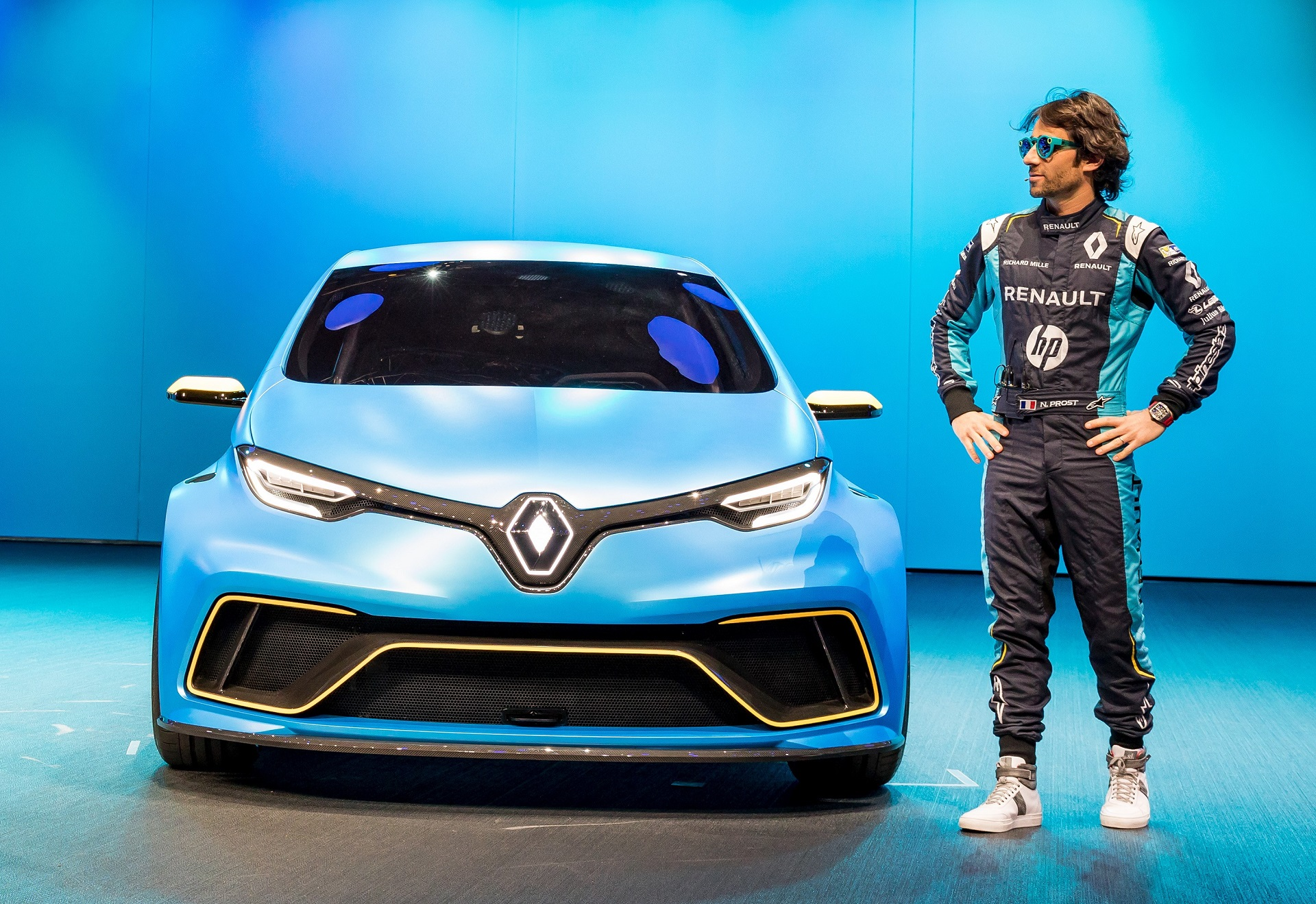 renault zoe e sport concept at geneva highlights electric. Black Bedroom Furniture Sets. Home Design Ideas