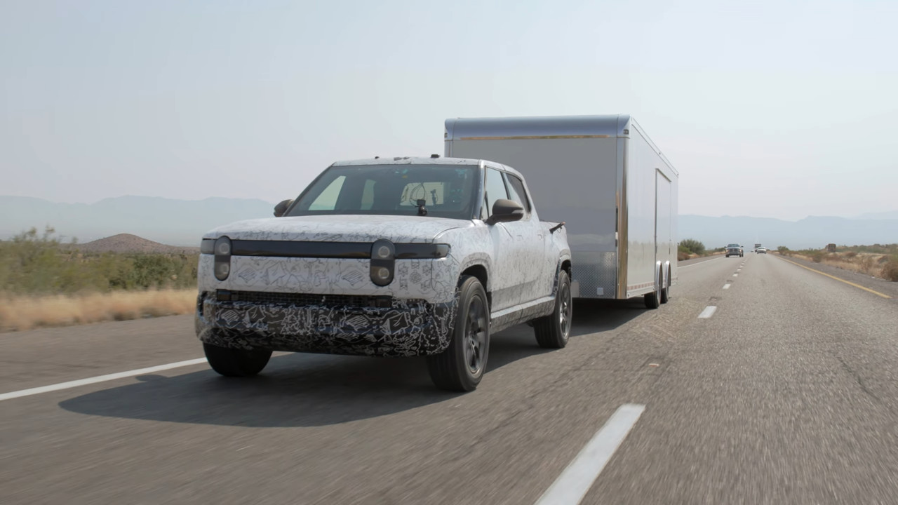 Hot dam! Rivian says RT1 electric pickup tows 11,000 pounds in the desert