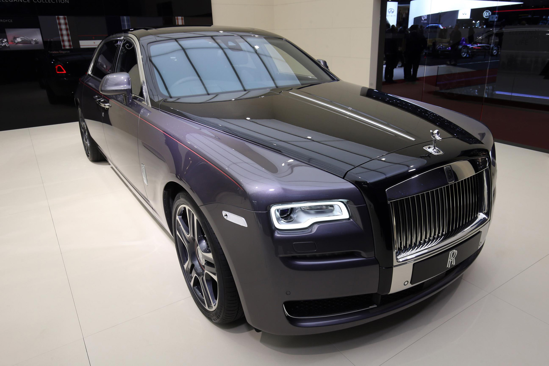 Rolls-Royce Destroyed 1,000 Diamonds To Paint This Ghost