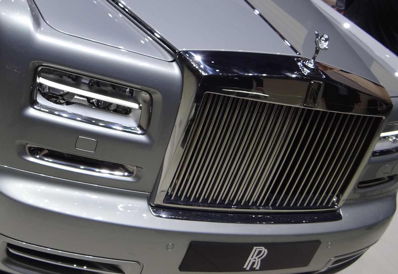 New Rolls-Royce Phantom To Debut In Three Years, Offer Plug-In Option