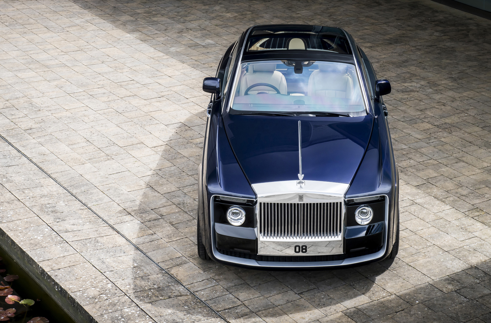 New Rolls Royce >> Rolls Royce Builds The World S Most Expensive New Car