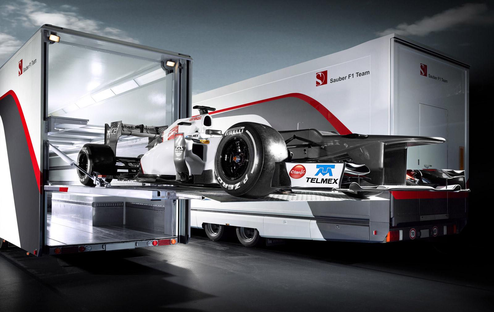 sauber f1 team unleashes interimbodied c31 race car