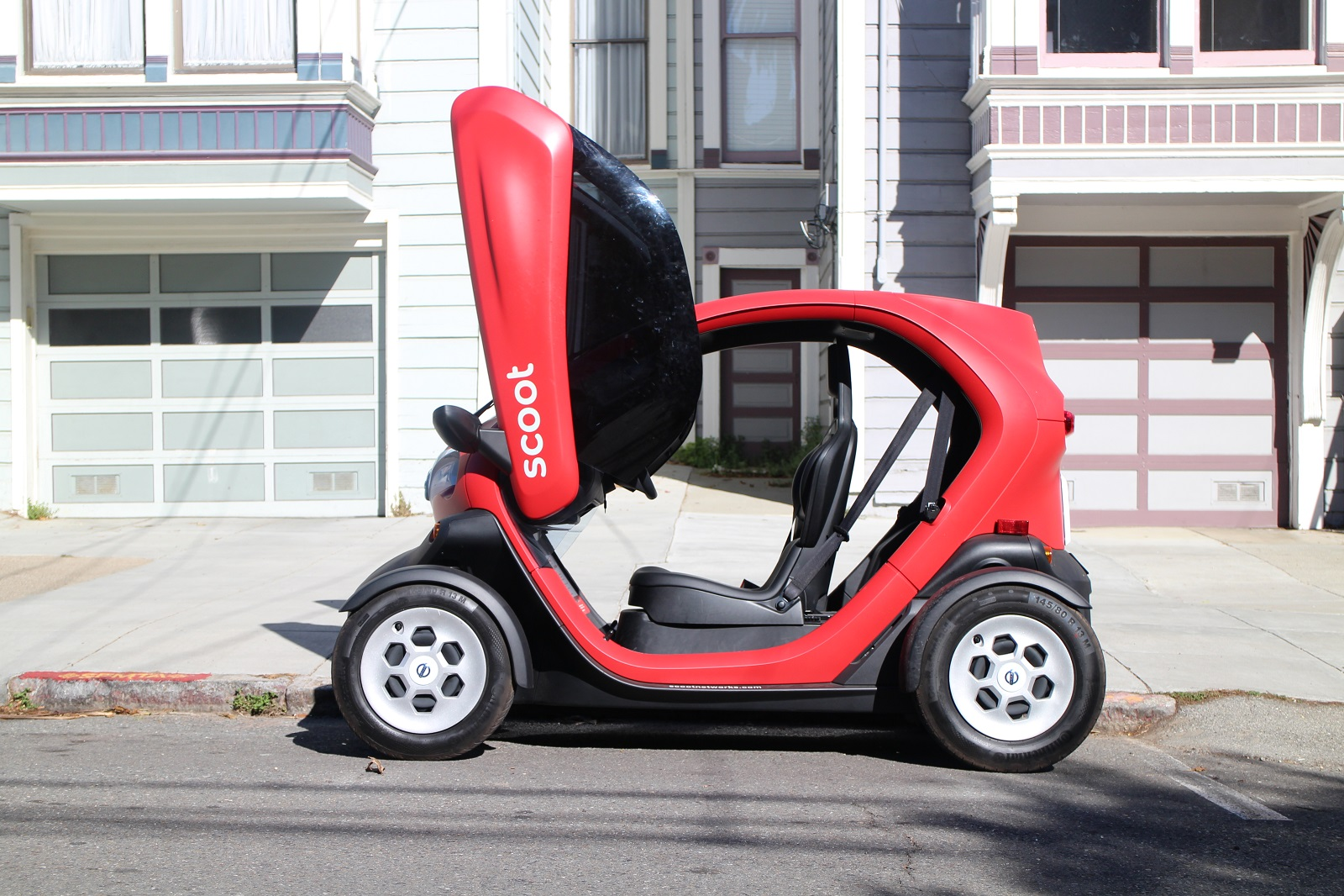 Is An Electric Scoot Quad Nee Renault Twizy Car Sharing