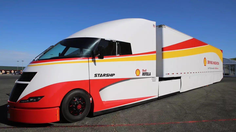 Shell Airflow Starship semi truck leaves San Diego on ...