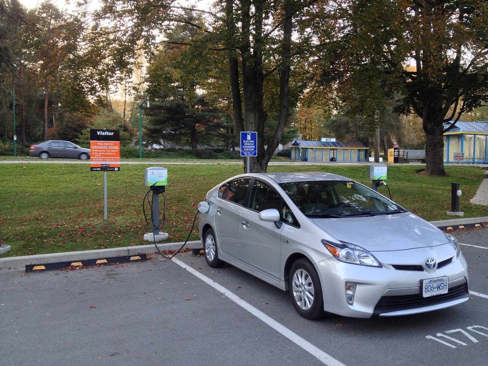 Giving Thanks (In Canada) for Electric-Car Charging On Roads