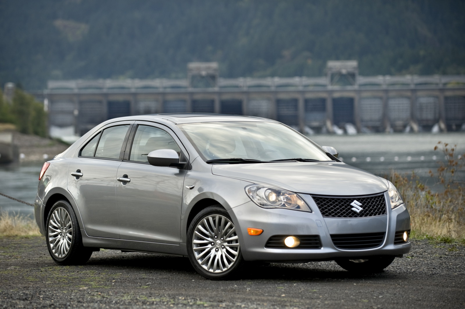 updated: suzuki recalls over 5,100 kizashi sedans