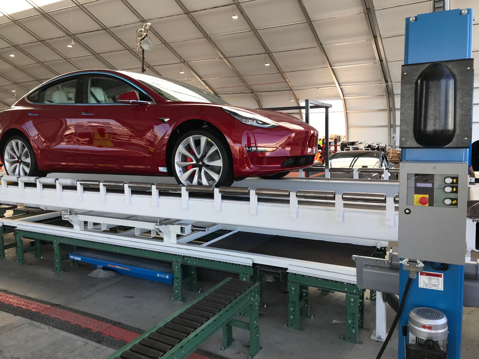Tesla Model 3 orders open to all US, Canada buyers