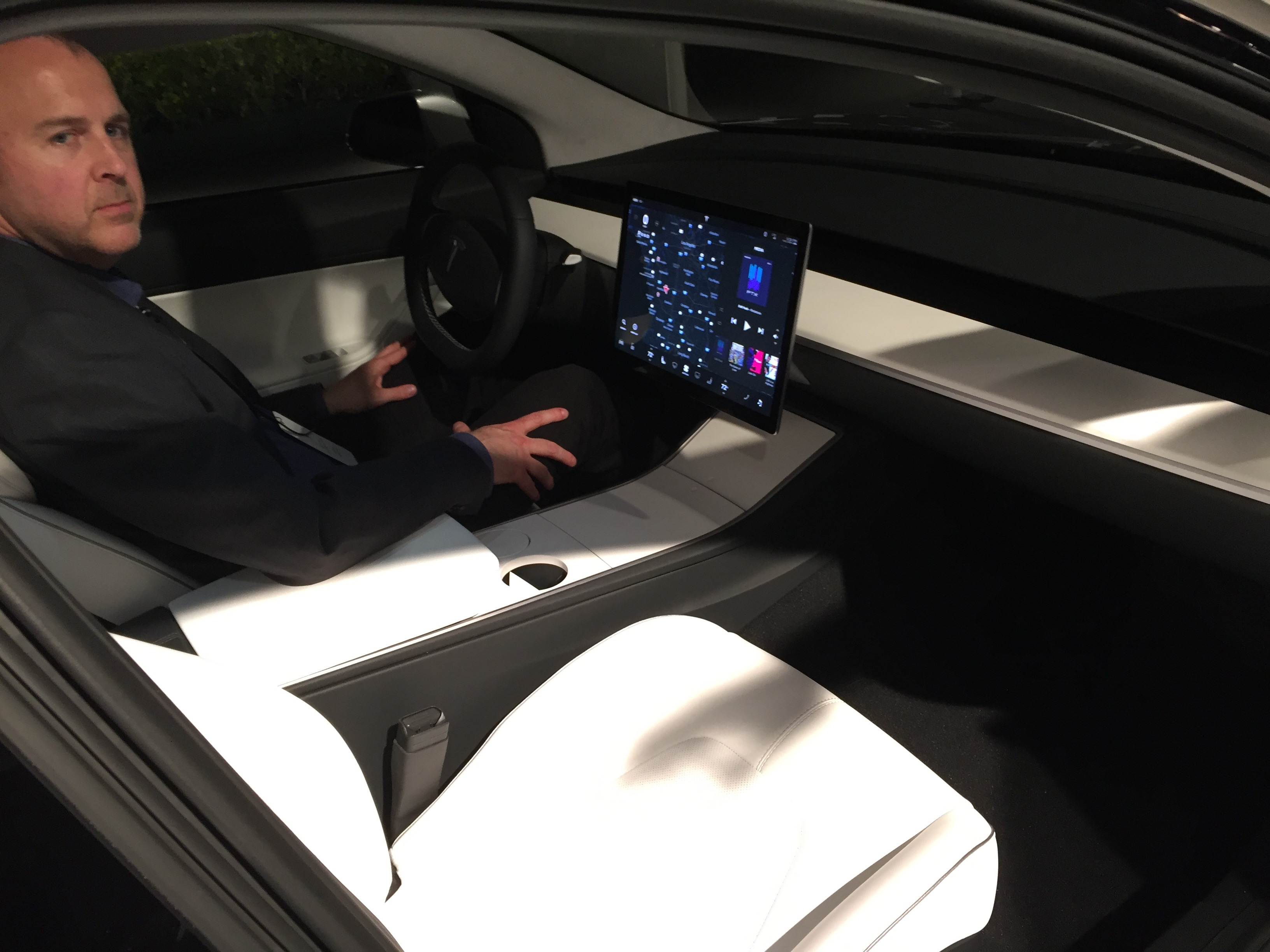 tesla model 3 interior what our video showed isn 39 t actually real. Black Bedroom Furniture Sets. Home Design Ideas