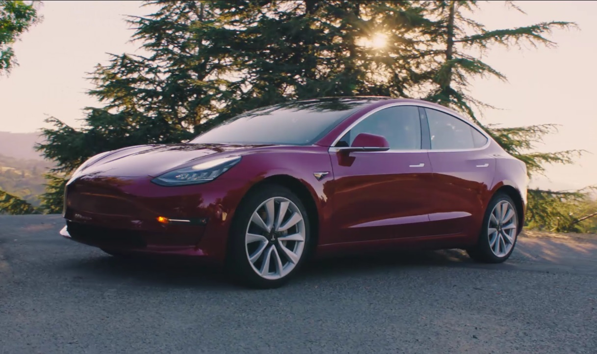 Tesla expects 200,000th U S  sale this year, electric-car tax
