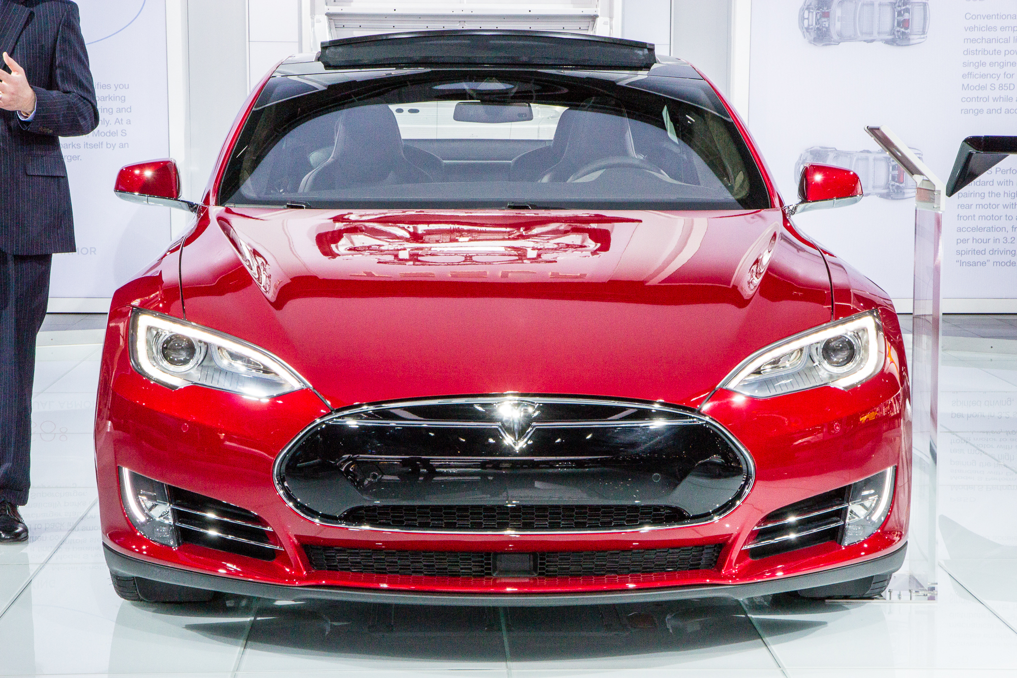 tesla model s p85d hot rod now has shortest delivery time. Black Bedroom Furniture Sets. Home Design Ideas