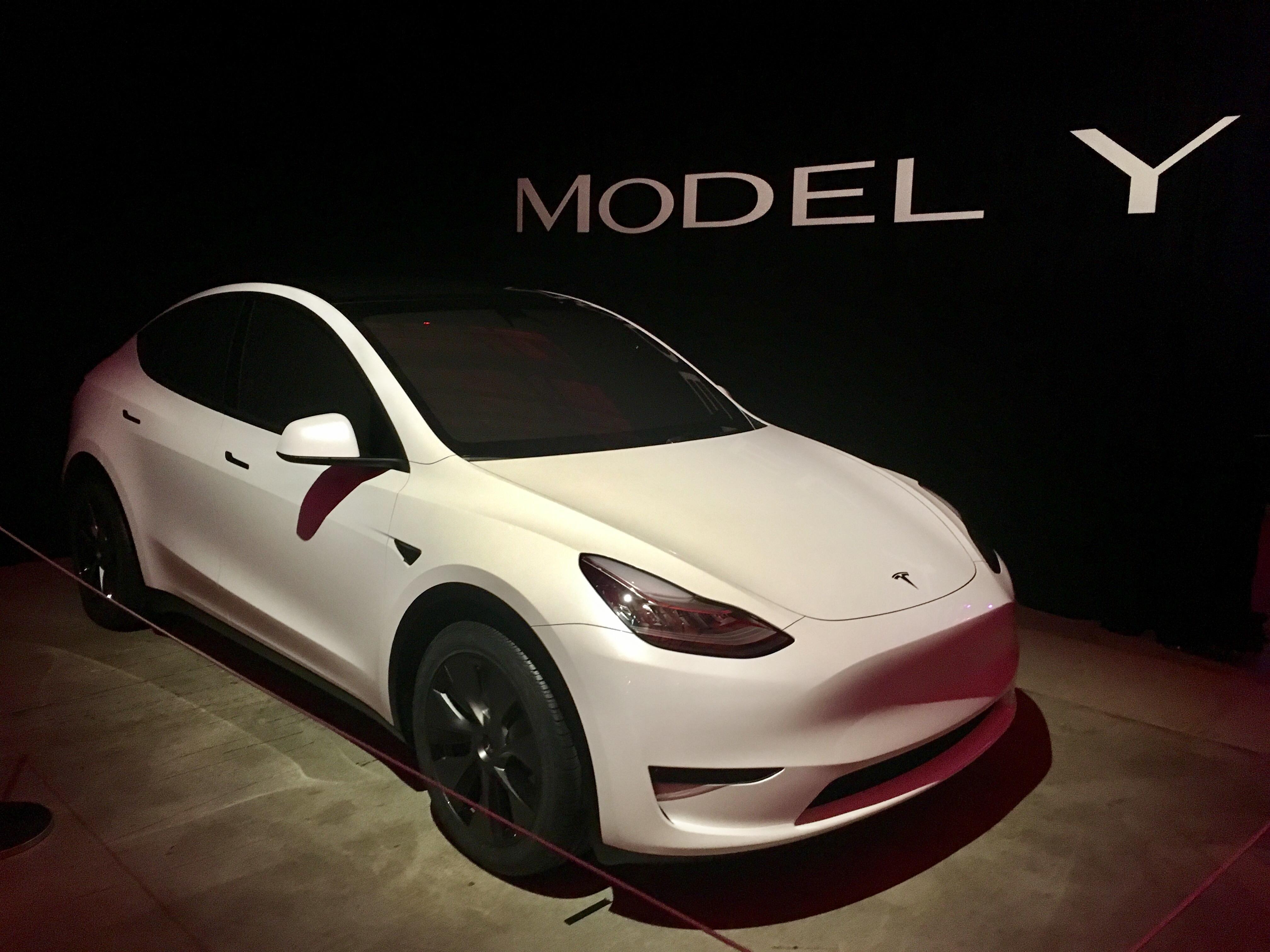 Mercedes Benz Eqc Vw Id 3 Fca Emissions Boost Tesla