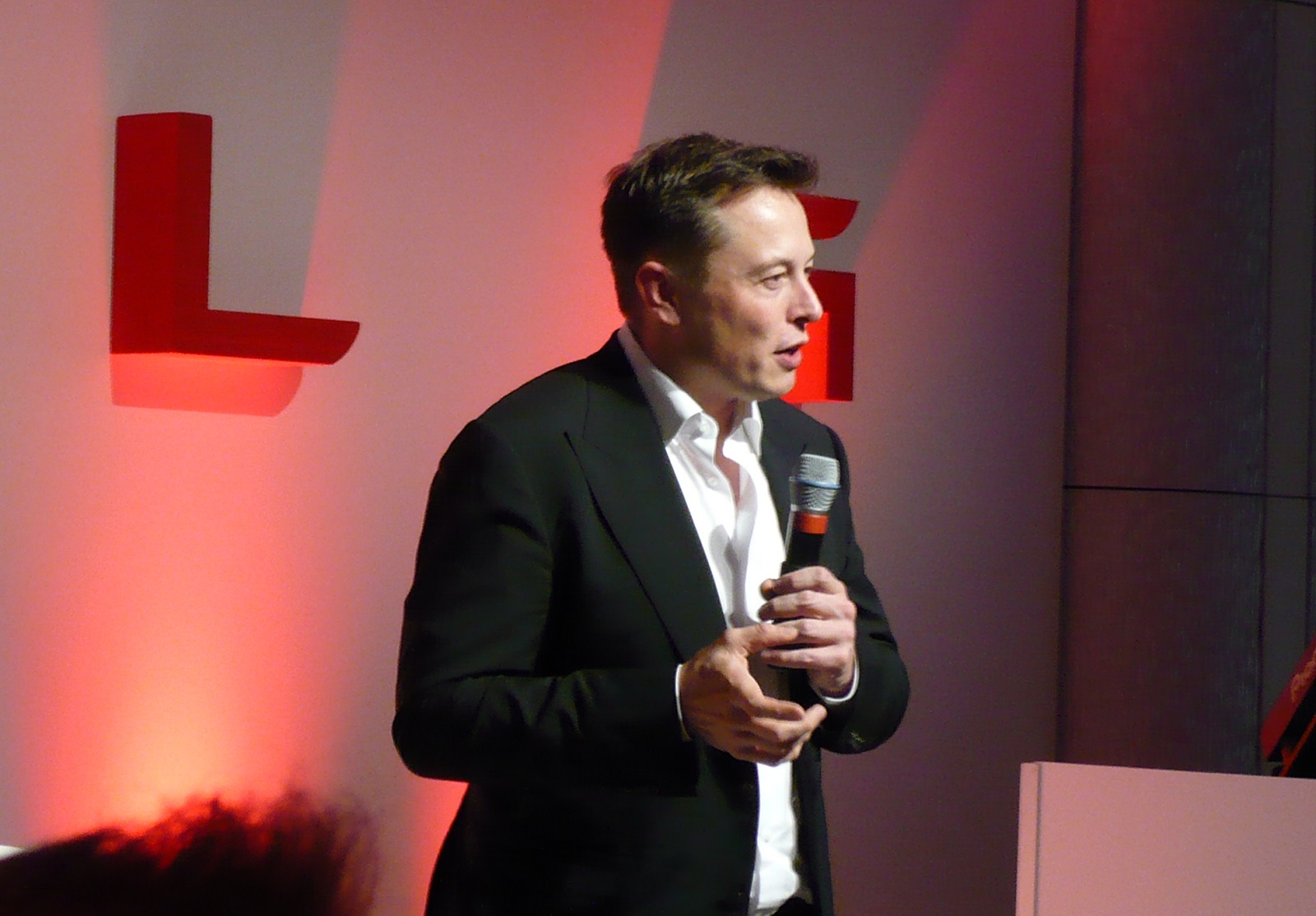 Elon Musk as stern daddy: no central Model 3 speedo, head-up display for you!