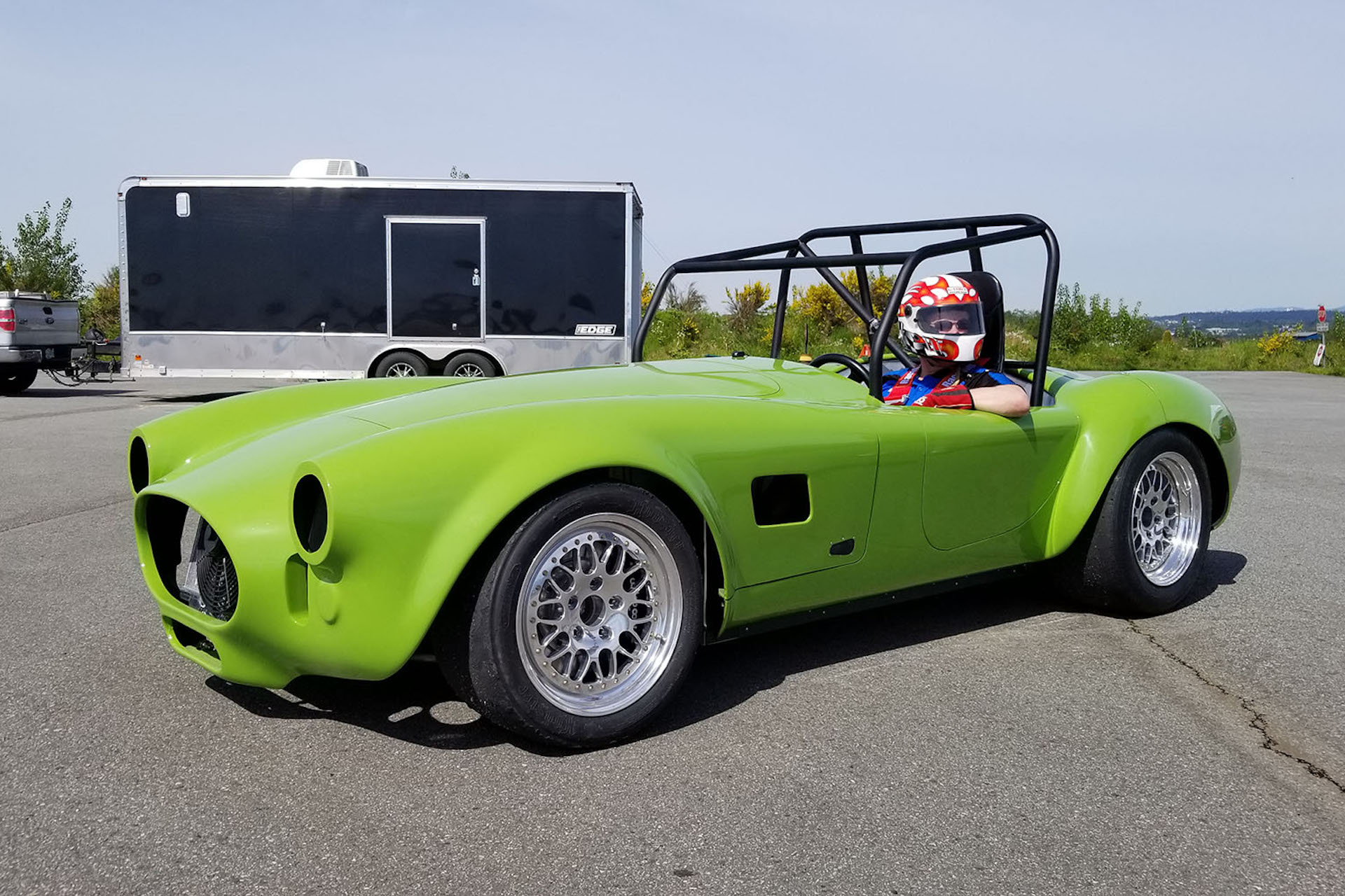 Tesla motor, Shelby Cobra body, Kia battery: watch electric Cobra stun a race crowd