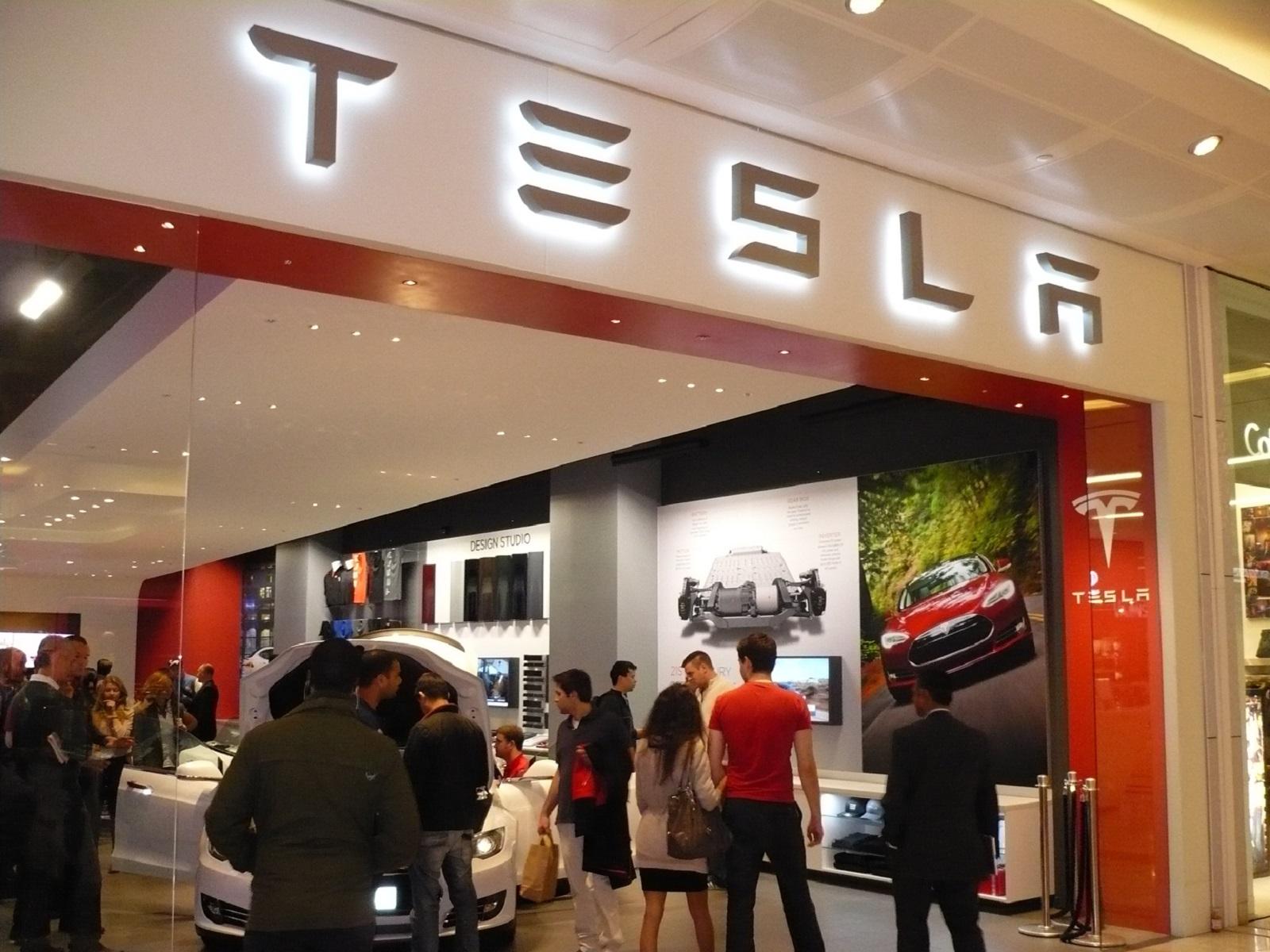 Tesla a 'predator,' dealer lobby howls; second VA store ...