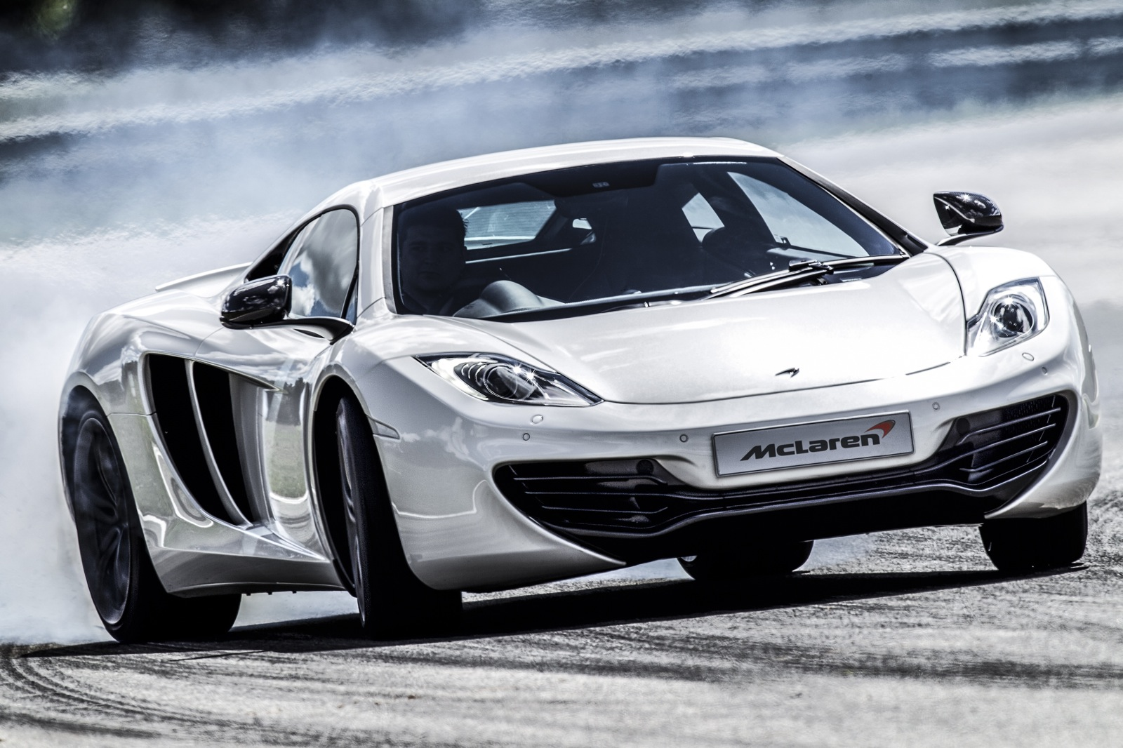 https://images.hgmsites.net/hug/the-2013-mclaren-mp4-12c_100392534_h.jpg