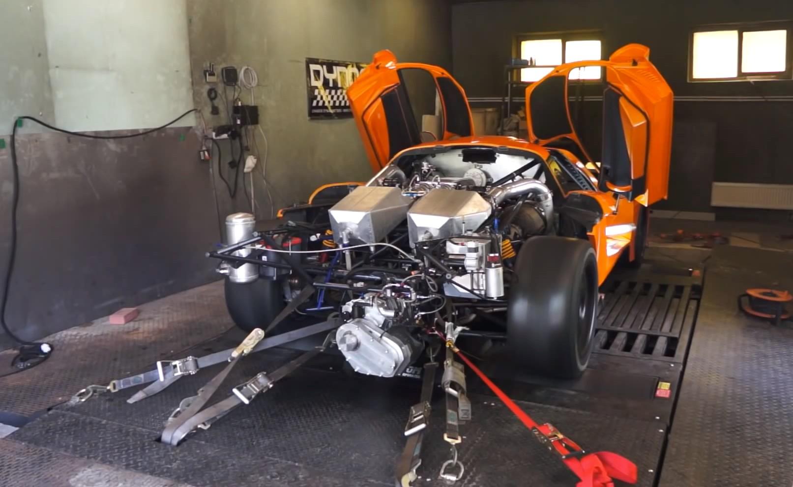 Twin-turbocharged Saleen S7 turns 2,200+ hp on the dyno