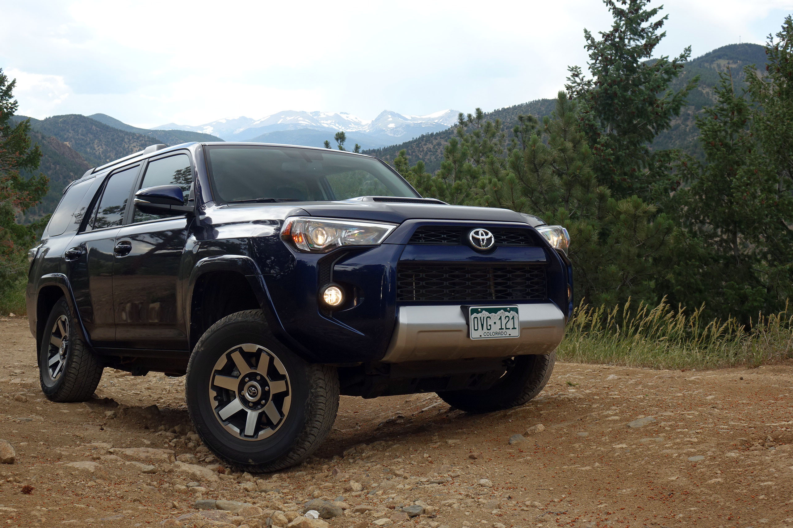 2017 toyota 4runner trd off road trail review archaic in all the right ways. Black Bedroom Furniture Sets. Home Design Ideas