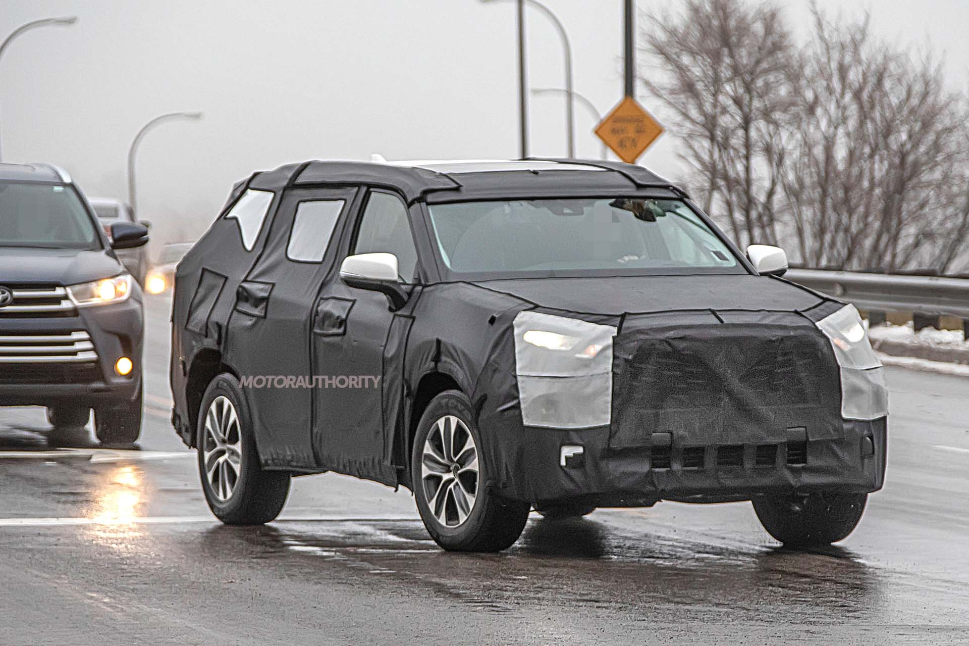 2020 Toyota Highlander Spy Shots