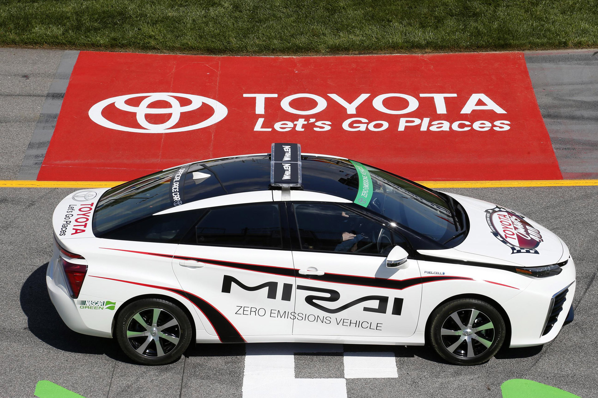 Toyota Mirai Is First Fuel Cell Car To Pace A Nascar Race Tonight