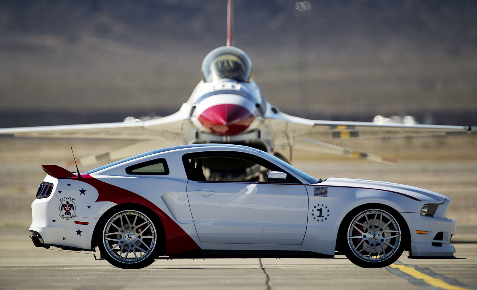 U S Air Force Thunderbirds Edition Mustang Sells For 398k