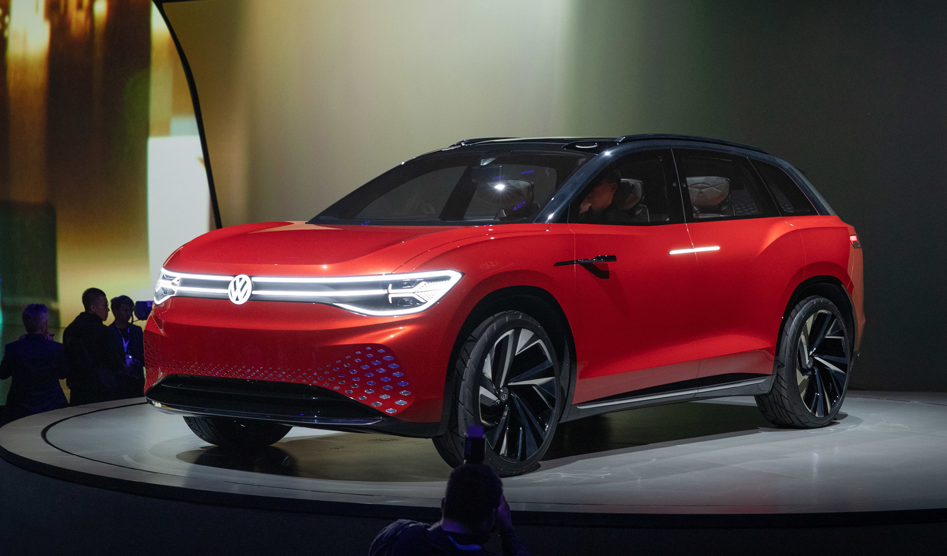 id roomzz concept previews large electric suv from vw