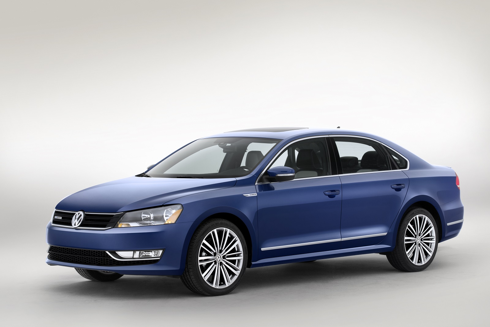 Volkswagen Passat Bluemotion Concept High Mpg Model At Detroit Auto