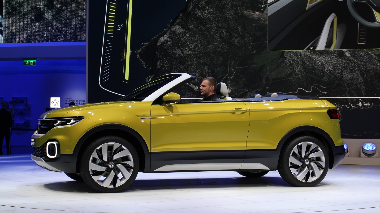 vw previews subcompact crossover with t cross breeze concept. Black Bedroom Furniture Sets. Home Design Ideas