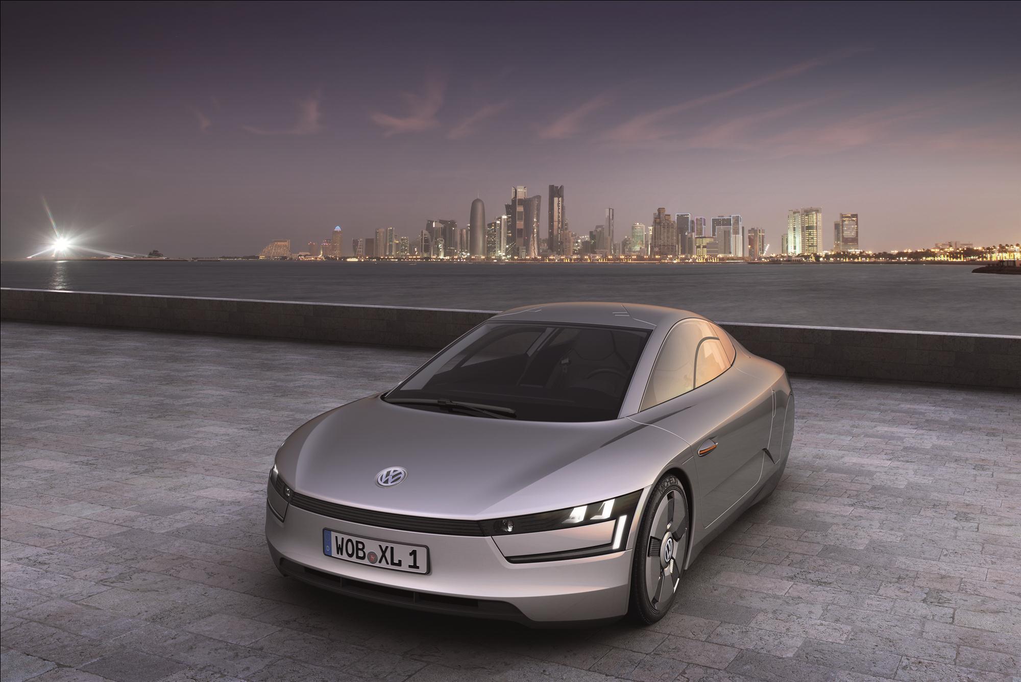 Volkswagen Says It Will Build 2 Seat 260 Mpg Plug In Hybrid