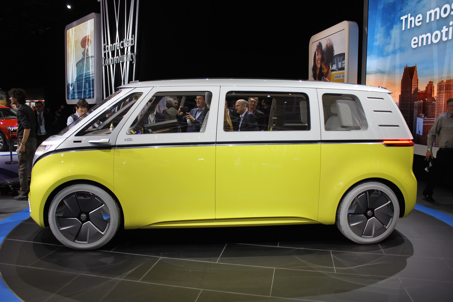 vw id buzz concept  electric microbus  arrive