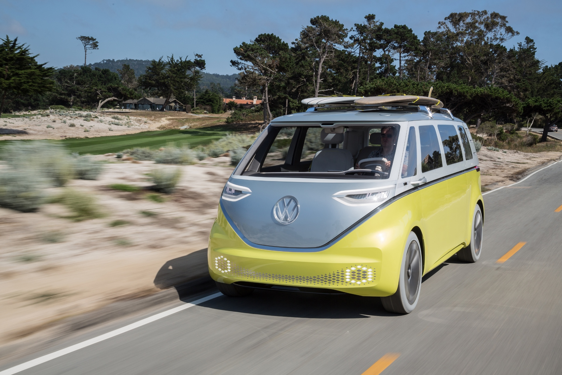 Self-driving VW vans to shuttle guests during 2022 FIFA World Cup