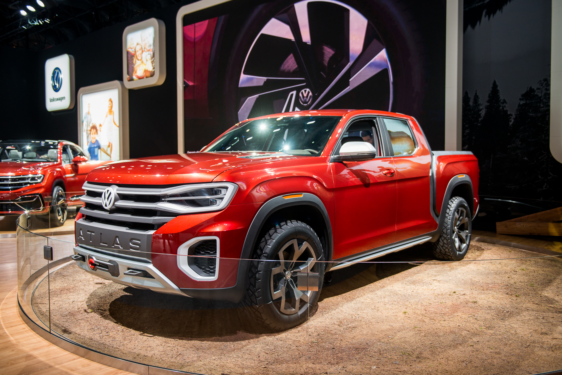 VW teases potential US pickup truck with Atlas Tanoak concept