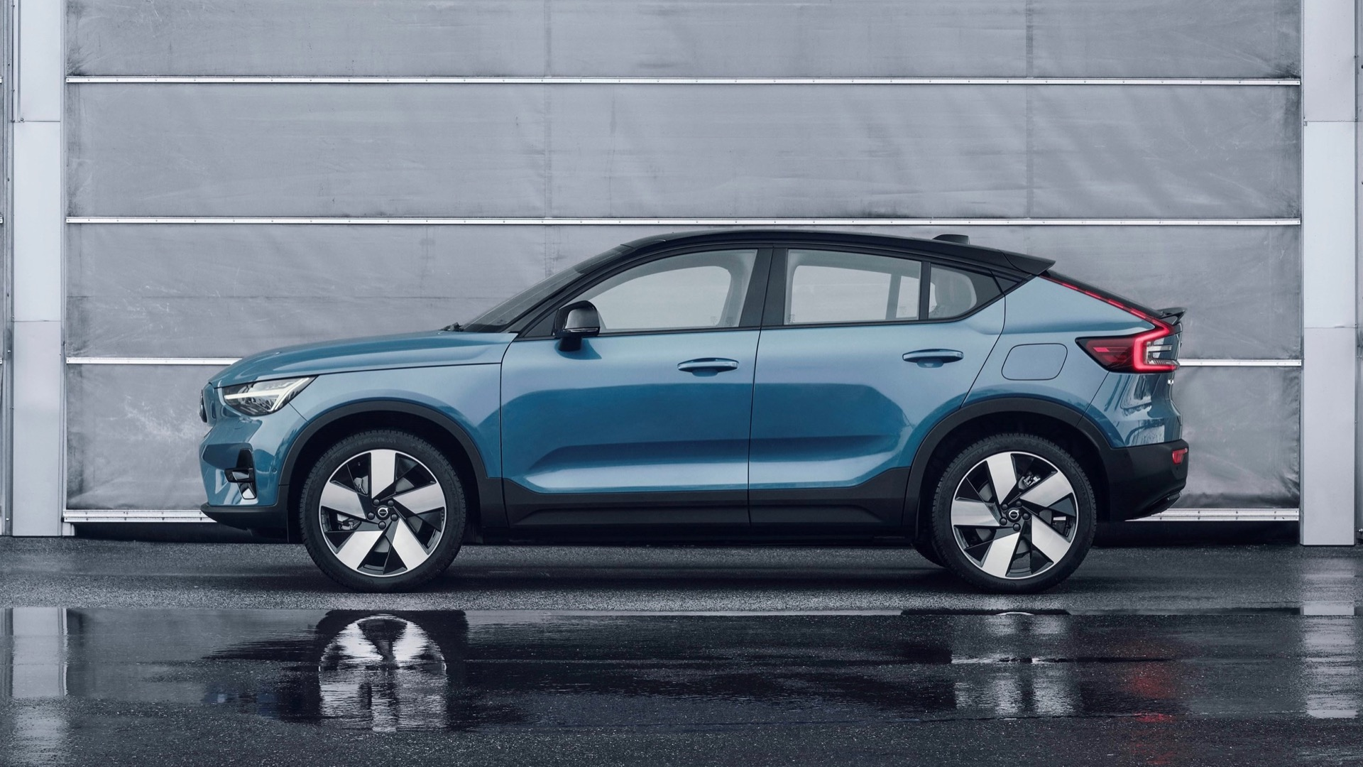 Sorento Hybrid and ID.4 reviewed, Taycan Cross Turismo and C40 Recharge revealed: The Week in Reverse
