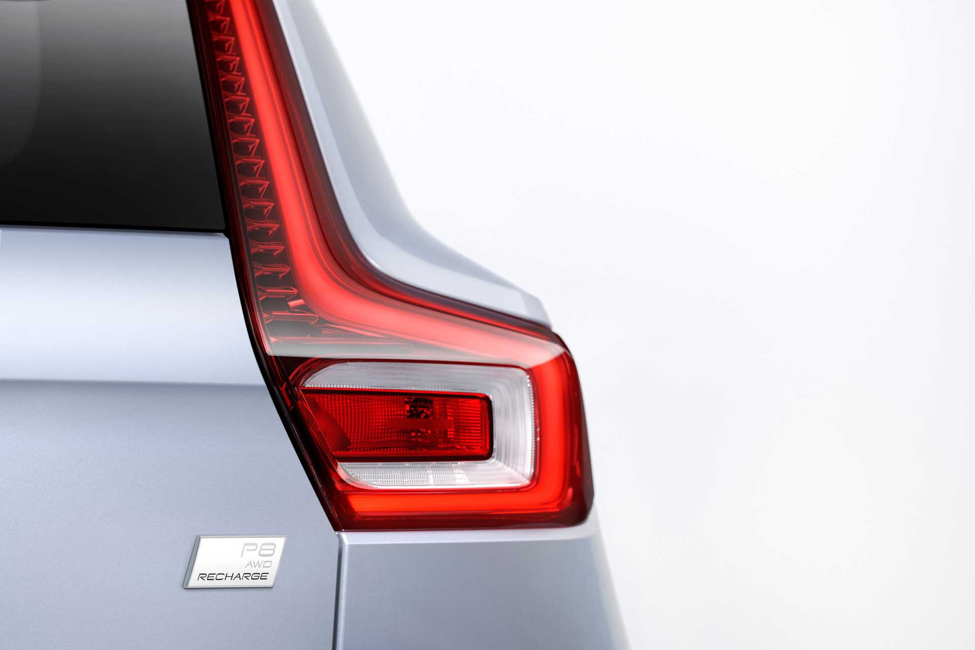 Volvo will slide a skateboard under its electric XC90 SUV
