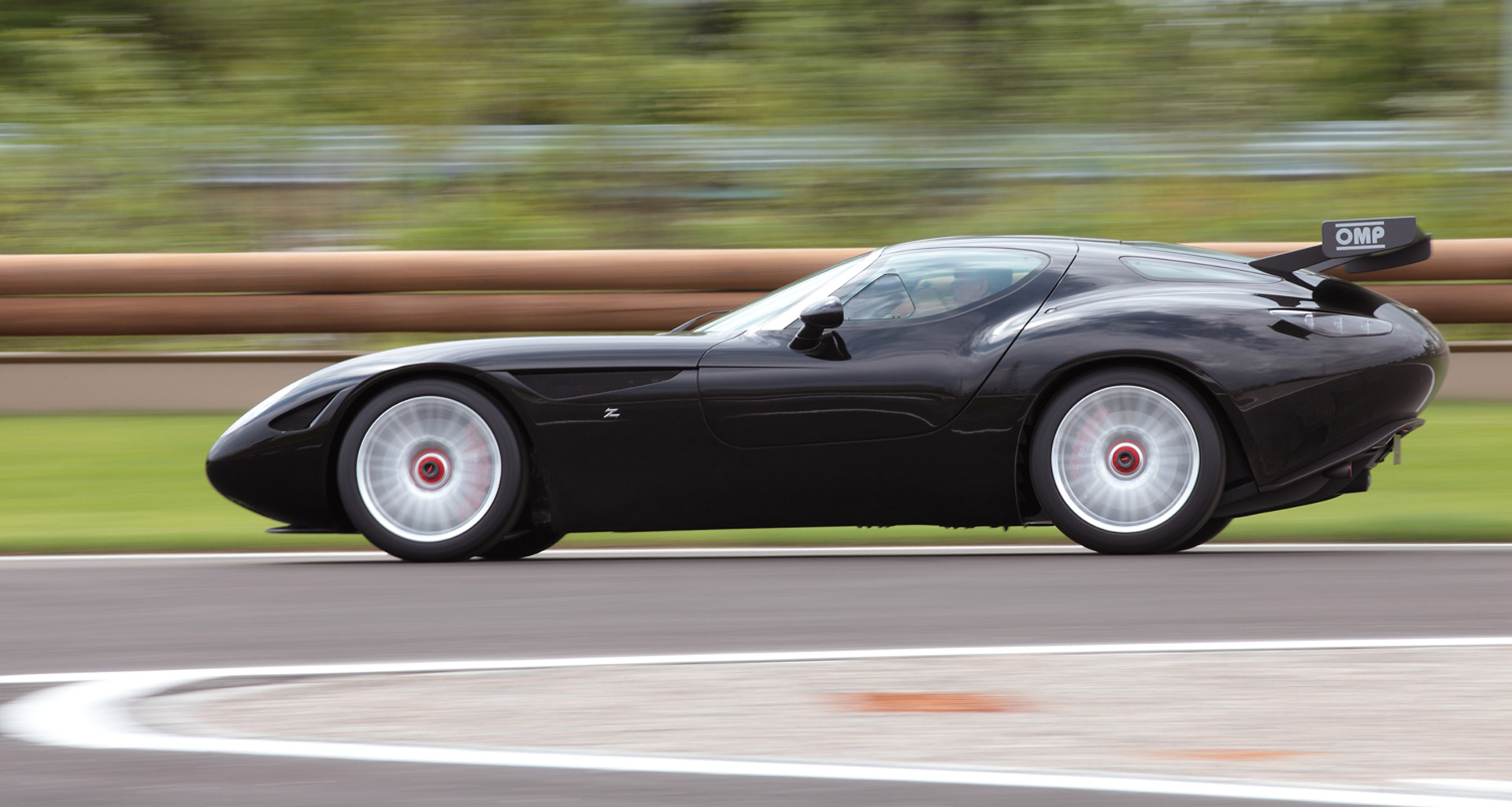 Zagato Honors Maserati With Stunning Mostro Sports Car At
