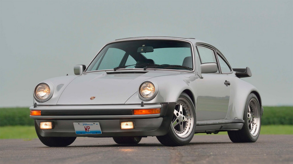 Bears Fans Rejoice Walter Payton S 1979 Porsche 911 Turbo Heads To Auction