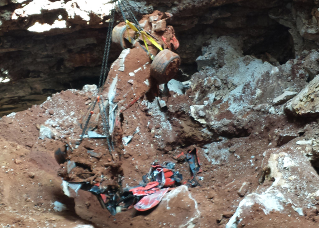 Eighth And Final Corvette Rescued From Sinkhole